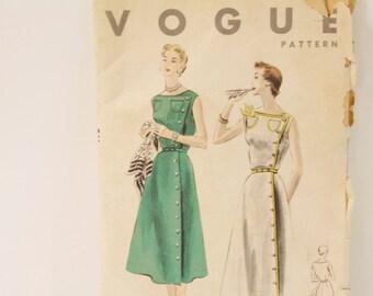 Vintage 1953 Vogue One piece Dress Pattern 7992 size 14