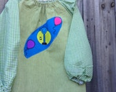 Child's art smock -  age 3 to 4. Mr Tall.