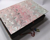Marbled paper box made in Italy.  Hand crafted Florentine style -   SIZE: 9,75