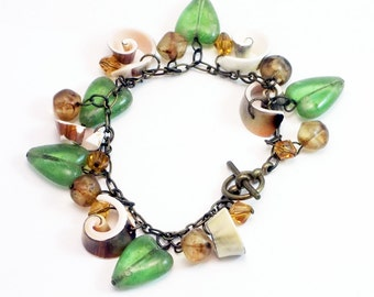 Shell, Crystal and Glass Heart Bracelet