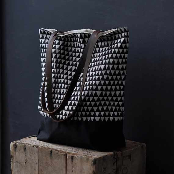 TOTE Black Triangle