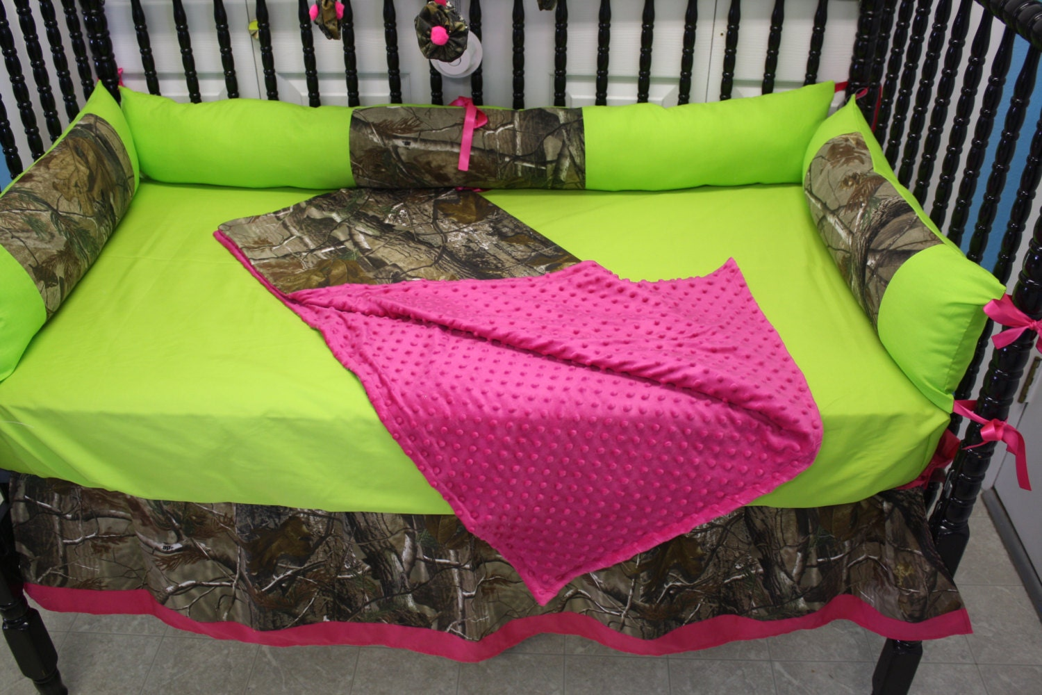 Hot pink camo baby bedding 5pc real tree camo hot pink lime green baby