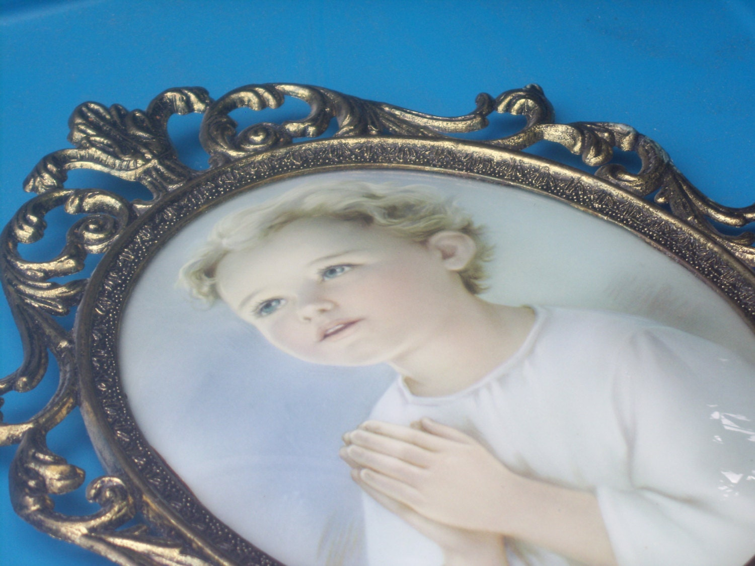 Vintage convex bubble glass ornate italian frame with praying girl vintage convex bubble glass ornate italian frame with praying girl jeuxipadfo Image collections