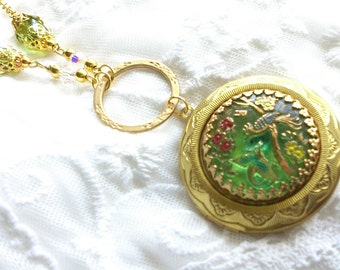 Art glass button locket necklace peridot green lovebirds birds Victorian