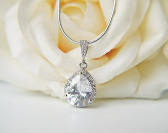 Crystal Cubic Zirconia Necklace Silver C Z Glamorous Wedding Teardrop Pendant Necklace