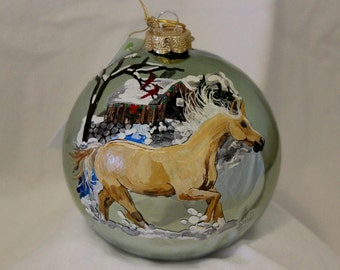 HAND-PAINTED ORNAMENT - Palomino Horse Item 636