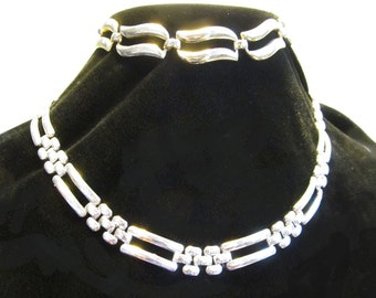 Vintage Monet Silver Tone Necklace and Bracelet