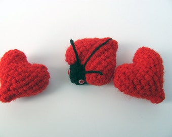 MADE to ORDER - One Red Amigurumi Heart, Valentine's Day Heart, Cute Crochet Heart Softie, Red Heart Plush, Valentine's Gift, Heart Charm