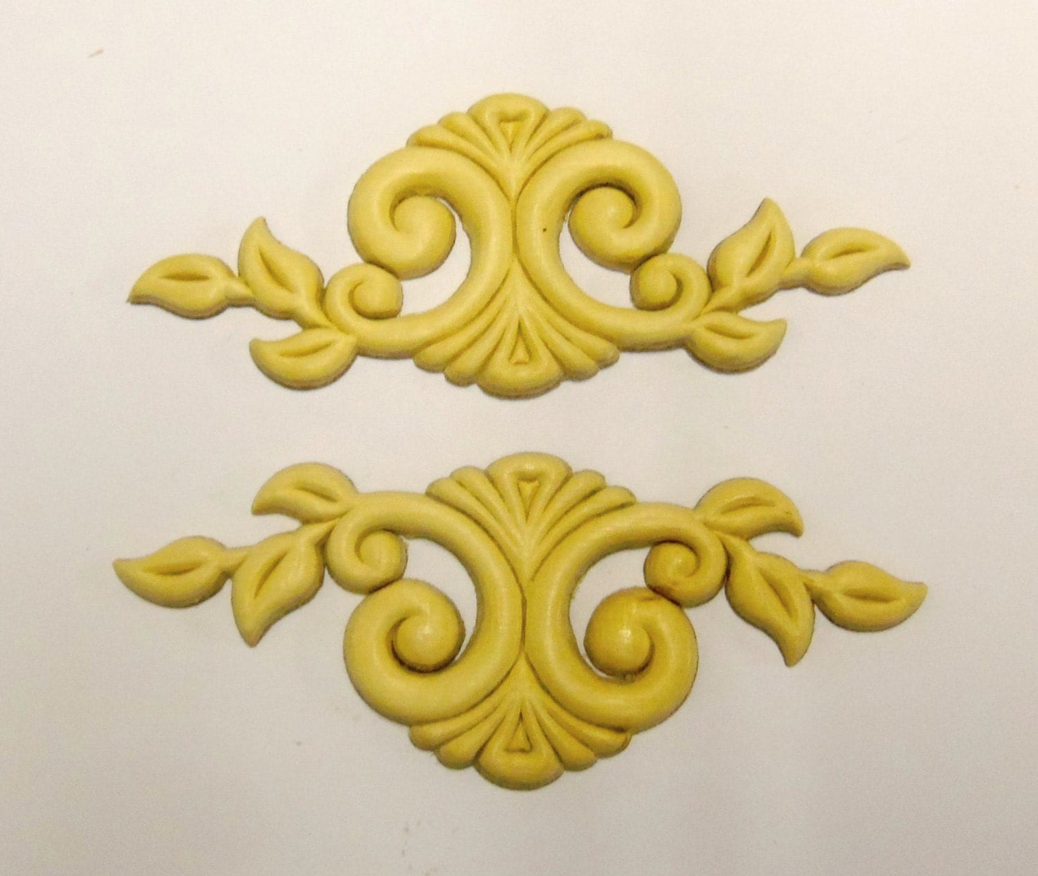 4 Wood Appliques lays Birch Embossed Furniture Trim Supplies