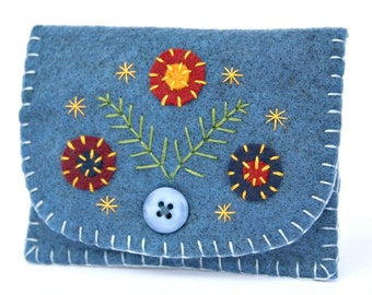 Felt coin purse, Handmade coin purse, Blue felt purse, Floral purse, Embroidered purse, Handmade felt purse, Blue change purse, Felt wallet.