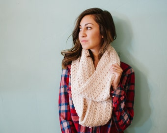 Chunky infinity scarf, off white scarf, cream scarf, chunky scarf, fall, scarf, winter scarf, circle scarf