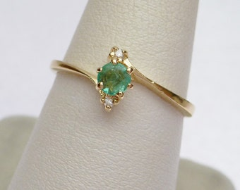 14 kt Stylecrest Genuine Emerald and 2 ptw Diamond Ring Yellow Gold