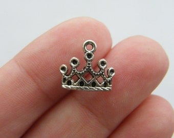 10 Crown charms antique silver tone CA6