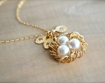 Personalized Birdnest Pendant - 3 Pearls Wrapped in Gold - Choose Your Initial and Pearl Color - mom, mother, kids, children, Mother's Day