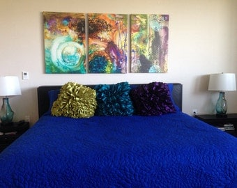 "Ocean blue queen size quilted bedspread with 2 pillows in size 102""x116"" and 20""X30"""