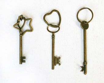 Antique Style Key Keychain ( 6 Key styles to choose)