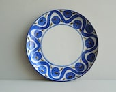 Dansk Designs Round Stoneware Platter Tray with Mod Blue Floral Pattern
