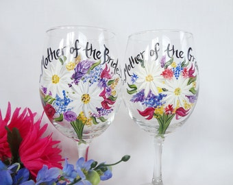 Hand Painted PERSONALIZED to your Wedding Flower Bouquets Wine Glasses- Mother of the Bride - GIFT WRAP available