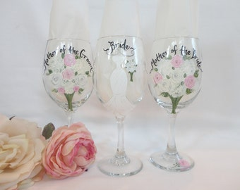 Hand Painted Wine Glasses - Bridal Party Glassware - Bridesmaid Champagne Glasses - MOTHER of the BRIDE Wine Glasses