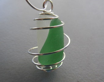 Glass Necklace, Seaglass Pendant, Beach Glass Jewelry, Sea Glass Pendant, Wire Jewelry, Sea Glass Jewelry, Gift for Her