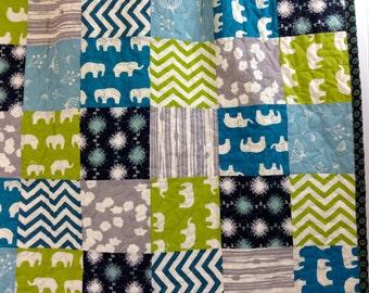 CLEARANCE! 50% OFF! Trunk Love, Modern Baby Quilt, Crib Quilt, Toddler Quilt, ORGANIC Fabrics, Elephants, 33 x 44