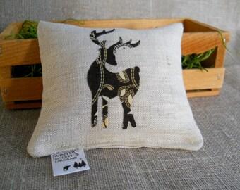 Balsam Fir Linen Sachet with Handmade Deer Applique, Choice of Maine Balsam Fir or Peppermint Pine Blend, Deer Sachet in Linen, Balsam  Deer
