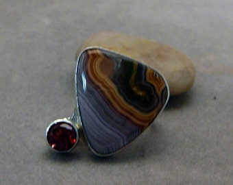 Sterling silver agate and garnet ring size 5 1/2 - handmade