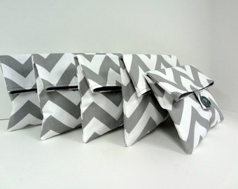 READY TO SHIP Gray Chevron Clutch Set Bridesmaid Gift Set of 5 Gray and White Zigzag