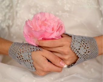 Wedding Lace Bridal Gloves, Crochet Bridal Gloves, Bridal Cuffs, Grey Glittered Gloves, Lace Gloves, Bridesmaids Gifts, teamt