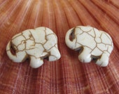 10 Beads - Ivory color howlite elephant shape small size beads pendant 15 mm x 21mm  - GM298