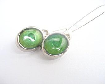 Green  resin earrings jewelry , silver ear hooks , emerald dangle earrings , handmade resin earrings