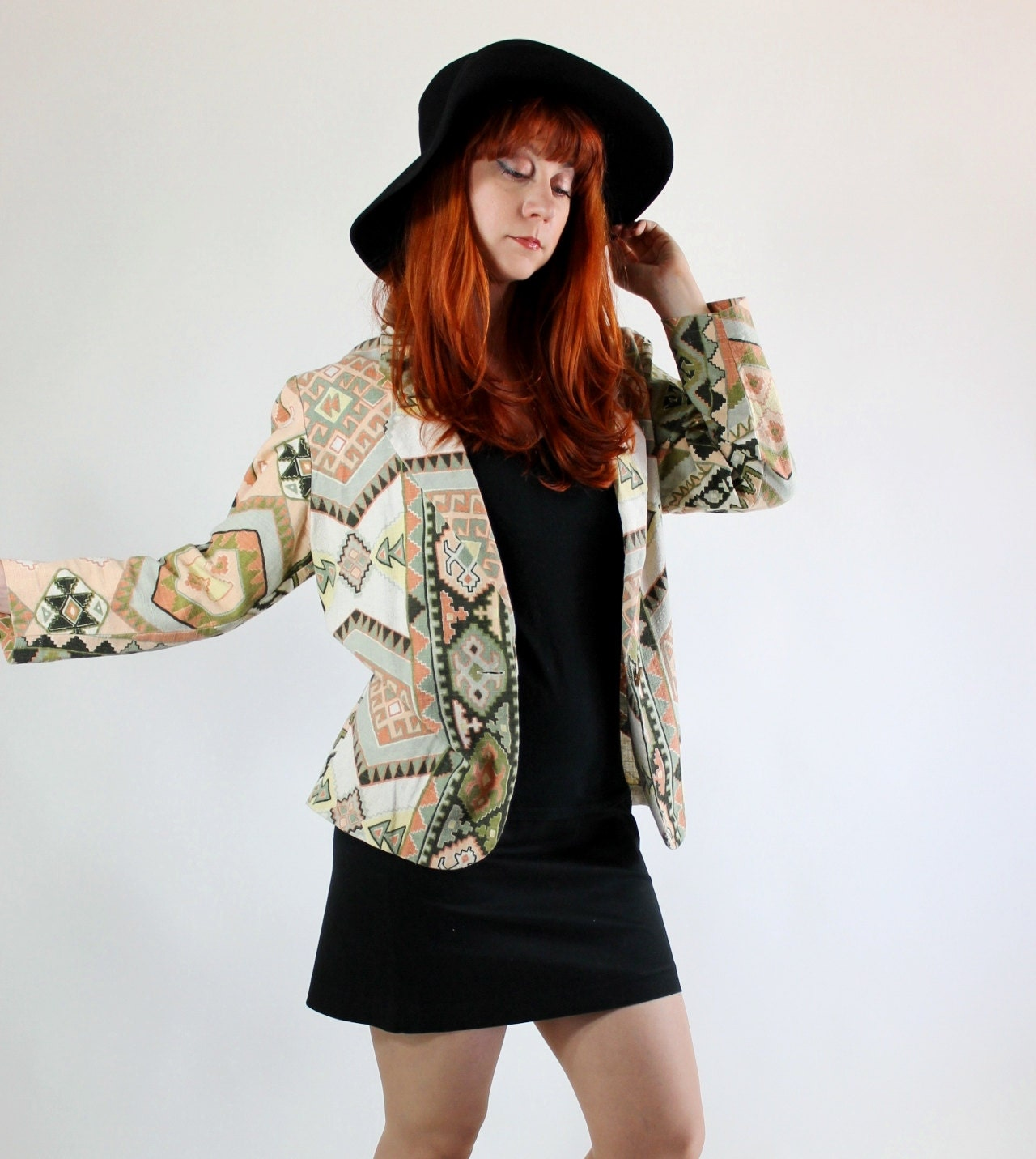 Vintage 1980s Tribal Print Jacket. Blazer. Earthtones. Bold Print. Southwestern. Boho. Vacation. Travel. Summer