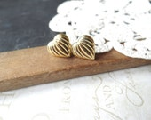 blurred LINES vintage heart post back earrings (gold)