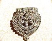 Vintage rhinestone brooch pin dress clip