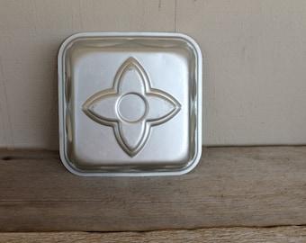 Vintage Wear-Ever Aluminum Baking Pan or Jello Mold, No. 2921