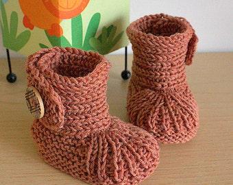 Knitting Pattern (PDF file)  Soft Feet Baby Boots (sizes 0-6/6-9/9-12 months)
