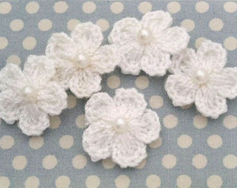 100pcs 16mm  handmade crochet flower with white pearl bead / white for hair clip, wedding decorating