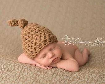 Newborn Knot Hat in Camel Biege Tan