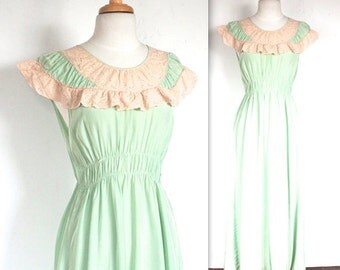 SALE Vintage 1950's Nightgown // 40s 50s Pistachio Green Gown with Rosy Cream Lace Trim // DIVINE