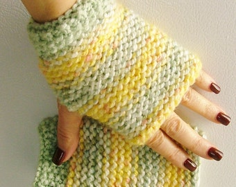 Springy Fashion Fingerless Gloves