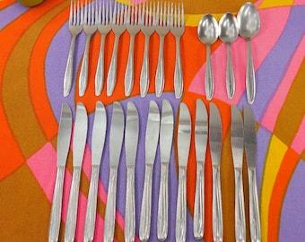 23 Pc. Majesco MJS7 Stainless Flatware - Spoon Fork Knife - Atomic Starburst