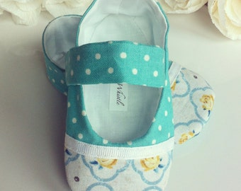Turquoise Baby Girl Shoes Cottage Chic - A Perfect New Baby Gift - Soft Sole Baby Booties