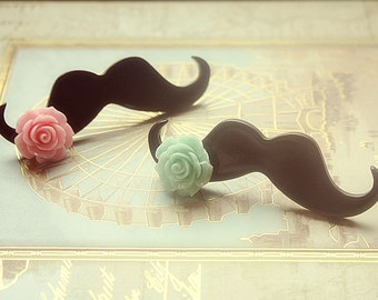 Chic Mustache ring