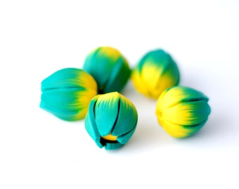 Handmade beads, polymer clay beads, tulip beads, flower beads, flower peandant, earring findings - yellow and dark green buds - 5 pcs