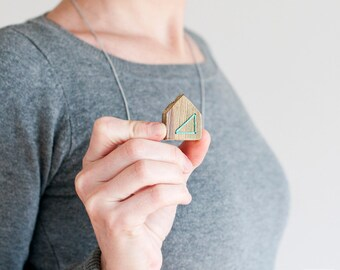 Home is Where the Heart Is. Halskette holz haus. Wood House Necklace. ooden Jewelry. Mint. Eco-Frendly. Wooden House Necklace. Housewarming