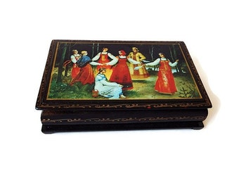 Vintage Russian Lacquer Hand Painted  Box, Dancing Ladies