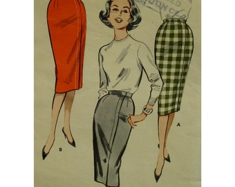 """Wiggle Skirt Pattern, Straight, Fitted, Vintage 1950s, Side Front Seam, Two Pieces, Butterick No. 9209 Size 12 Waist 26"""" 66cm, Hip 36"""" 92cm"""