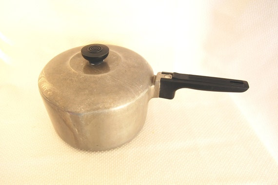 Vintage Magnalite Wagner Ware 3 Quart Covered By