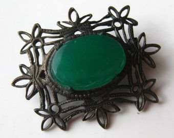 Vintage Antique Victorian Filigree Green Chrysoprase Cabochon Brooch Pin