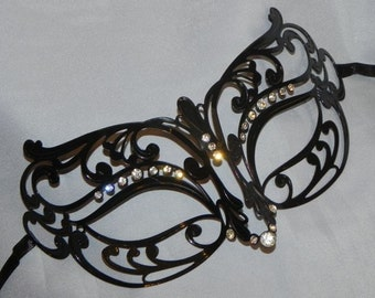 Unisex Metallic Filigree Masquerade Mask